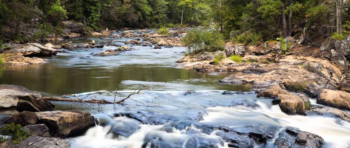 trails-along-whitewater-and-ruins-hiking-sweetwater-creek